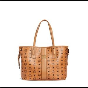 MCM Reversible Shoppers Tote (with Slim Pouch)